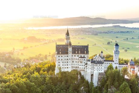Neuschwanstein castle sunsetの素材 [FYI00663563]