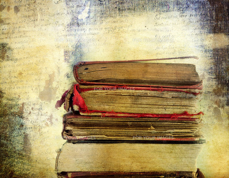 Vintage background with old books. Back to school conceptの素材 [FYI00663606]
