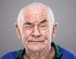 Portrait of an elderly manの写真素材 [FYI00663840]
