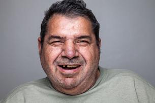 Portrait of an elderly manの写真素材 [FYI00663842]