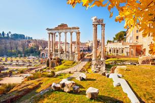 Roman ruins in Rome, Forumの写真素材 [FYI00663916]