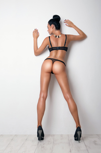 sexy curves girl butt in black panties, without celluliteの写真素材 [FYI00664064]