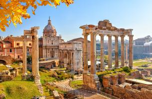 Roman ruins in Rome, Forumの写真素材 [FYI00664074]