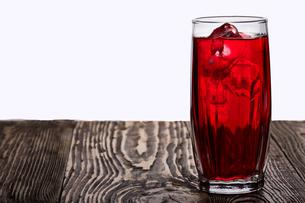 Iced hibiscus tea (rosella)の写真素材 [FYI00664341]