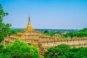 Beautiful Buddhist Pagodaの写真素材 [FYI00664446]