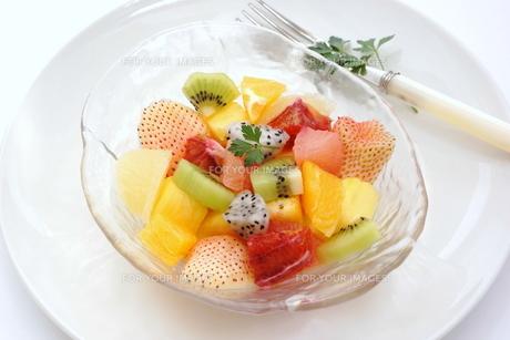 フルーツサラダの写真素材 [FYI00665018]