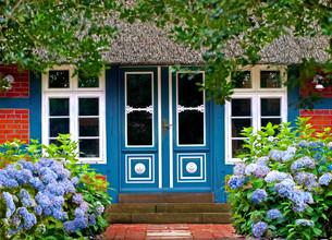 idyllic house entranceの写真素材 [FYI00665850]