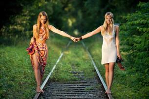 barefoot on railsの写真素材 [FYI00666885]
