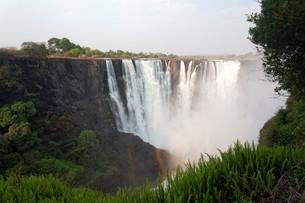 victoria falls in the dry seasonの写真素材 [FYI00666990]