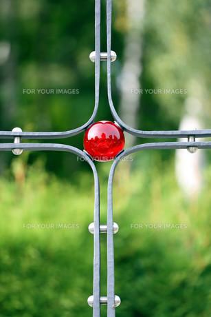 cross with red glass beadの素材 [FYI00669058]