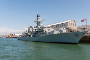 the british battleship in harborの写真素材 [FYI00669082]