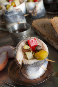 rollmops - pickled herring filletsの写真素材 [FYI00669247]