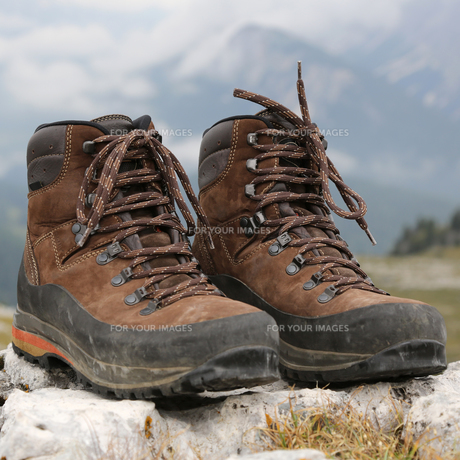 shoes to hike in the mountainsの素材 [FYI00670494]