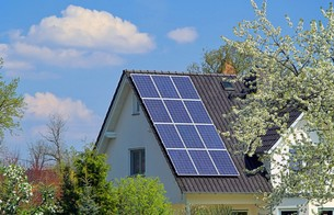 solar water heater - solar plant 22の写真素材 [FYI00672467]