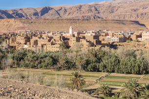 mountain village in morocco,north africaの写真素材 [FYI00673755]
