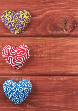 three hearts in a rowの写真素材 [FYI00674090]