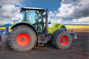 tractorの写真素材 [FYI00674201]