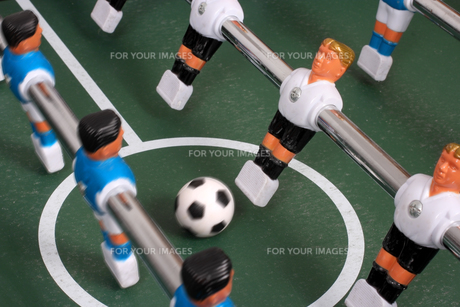 tabletop soccer,start of playの写真素材 [FYI00674756]