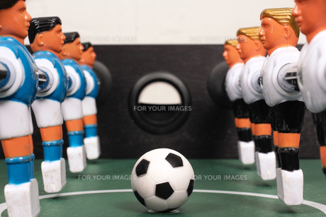 tabletop soccer,start of playの写真素材 [FYI00674758]