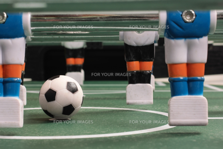 tabletop soccer,start of playの写真素材 [FYI00674761]
