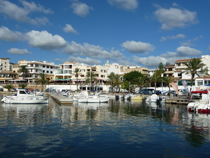 harbour cala ratjadaの写真素材 [FYI00674942]