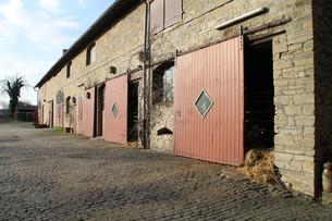 barns on a farmの写真素材 [FYI00675289]