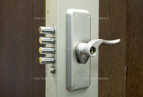 security door lockの写真素材 [FYI00677213]