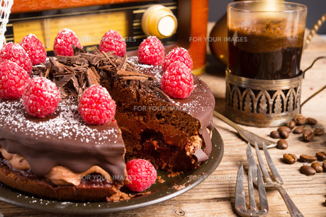 chocolate cake and turkish coffee - vintage styleの写真素材 [FYI00677368]