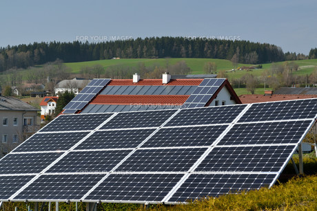 photovoltaic and solar purの写真素材 [FYI00678408]