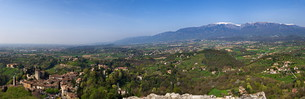 panorama of the fortress against asolo northwestの素材 [FYI00678498]