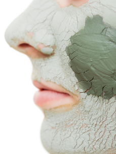 skin care. woman in clay mud mask on face. beauty.の写真素材 [FYI00679152]