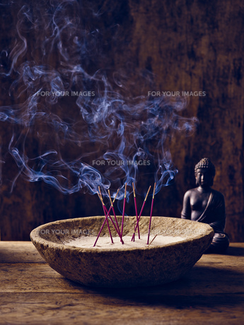 shell wood incense buddhaの素材 [FYI00680043]