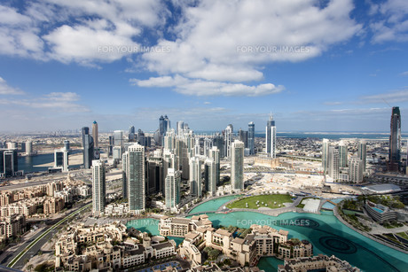 skyline of downtown dubaiの写真素材 [FYI00680347]