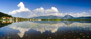 panoramic landscape at hopfensee in bavariaの写真素材 [FYI00681277]