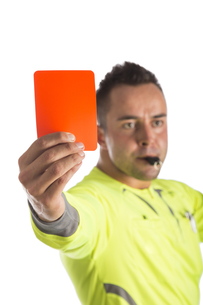 referee with red card,isolatedの素材 [FYI00682356]