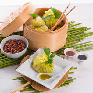 cabbage with rice bagsの写真素材 [FYI00682926]