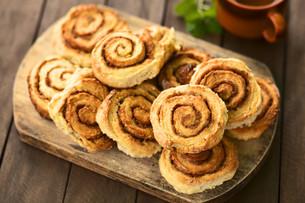 cinnamon rollsの写真素材 [FYI00683376]