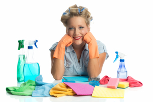housewife with cleaning utensilsの写真素材 [FYI00683497]