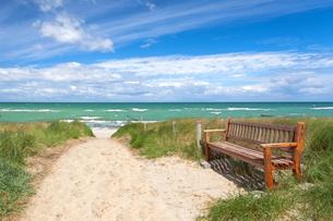 relaxing coastalの写真素材 [FYI00683756]