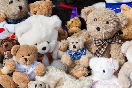 bears at flea marketの写真素材 [FYI00685186]