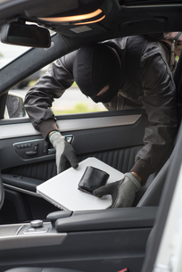car burglaryの写真素材 [FYI00687718]