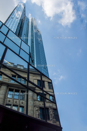 frankfurt's banking districtの写真素材 [FYI00687874]