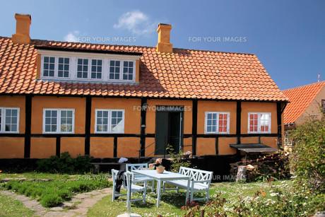 idyllic country house on bornholmの写真素材 [FYI00687938]