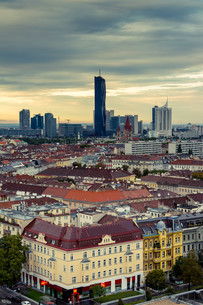 skyline vienna donau-cityの写真素材 [FYI00689026]