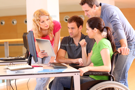 wheelchairの素材 [FYI00693010]