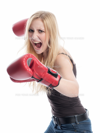 woman with boxing glovesの素材 [FYI00695484]