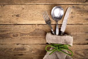 rustic cutlery in linen bagの素材 [FYI00695618]