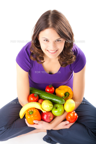healthy eating - woman with apples and pearの写真素材 [FYI00695811]