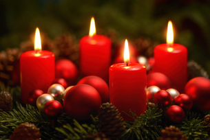 advent wreath with 4 ringsの写真素材 [FYI00695872]