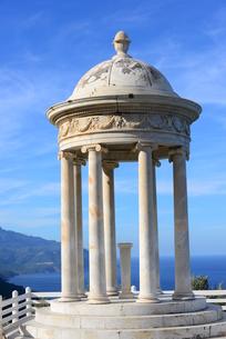 mallorca,son marroig  erzherzog ludwig salvador  sisi  round temple - monopterus,spainの写真素材 [FYI00696625]